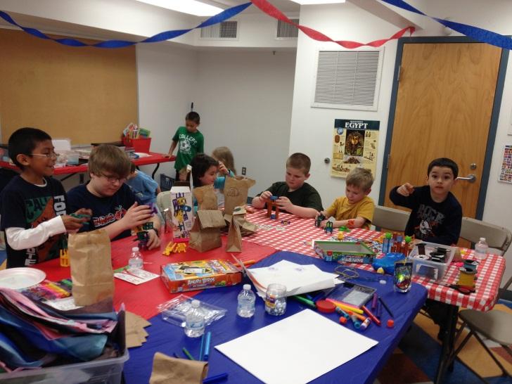 PNO Boys Crafting