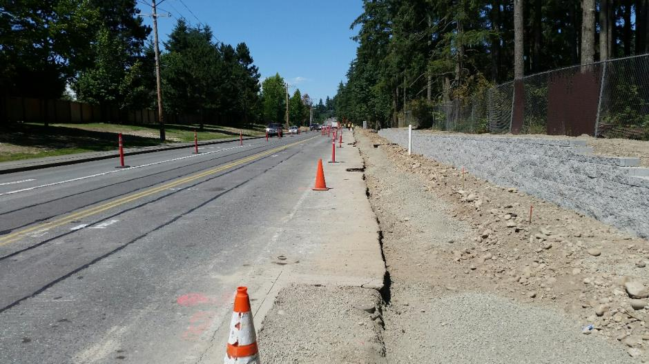 T-38 - 216th Ave SE - Retaining Wall Looking North - 072116