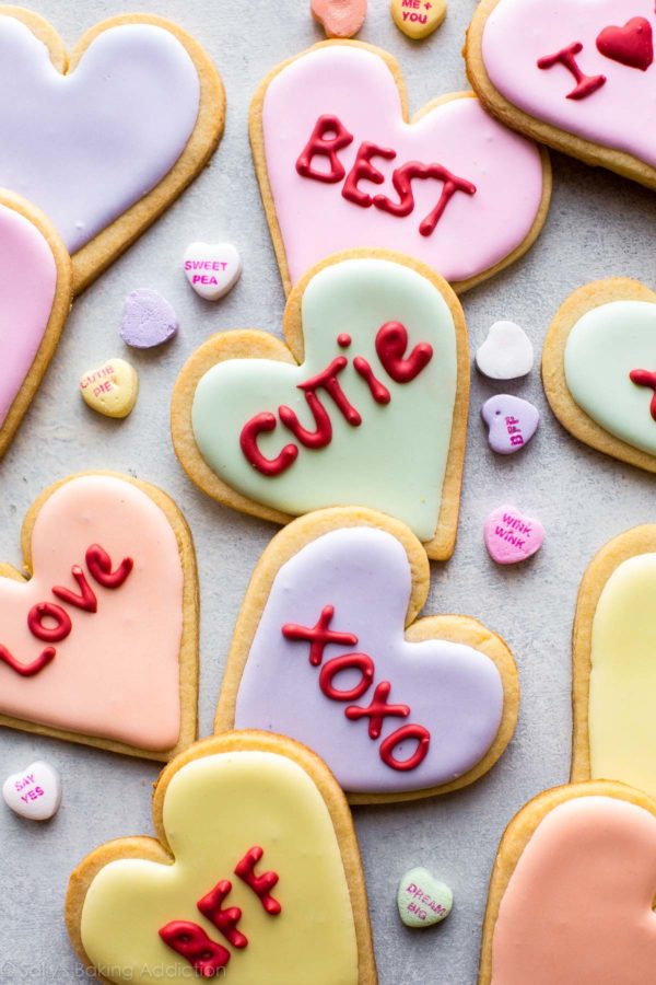 valentines-day-conversation-heart-cookies-2-600x900